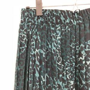 Banana Republic Factory Pleated Leopard Skirt